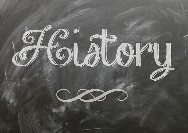 caracteristicas-politicas-economicas-y-sociales-del-antiguo-regimen-la-politica-centralizadora-de-los-borbones-selectividad-2020-pixabay2