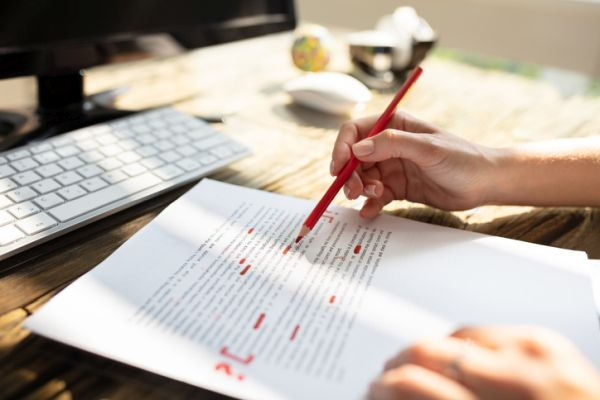 Corrigiendo texto en rojo